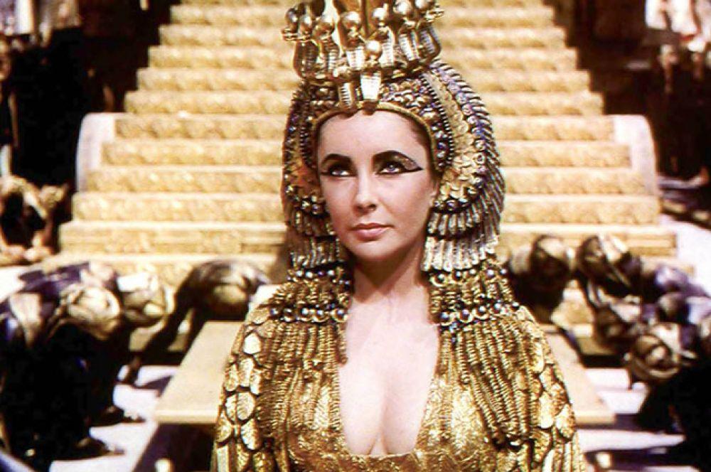 В 1961 году Тейлор получила лестное предложение исполнить роль Клеопатры в одноимённом историческом фильме за неслыханный по тем временам гонорар в миллион долларов.
