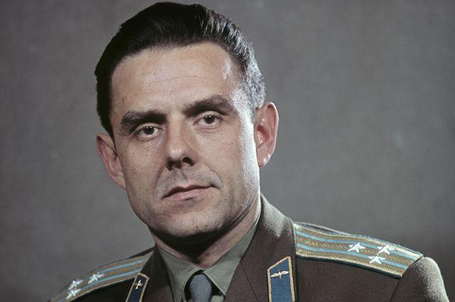 Владимир Михайлович Комаров (1927-1967), летчик-космонавт СССР, инженер-полковник.