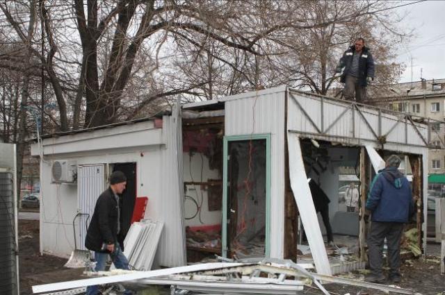 412 павильонов в Красноярске мешают, в той или иной мере, ремонту дорог. Но, прежде чем их демонтировать и переносить, власти обещают учесть пожелания от предпринимателей.