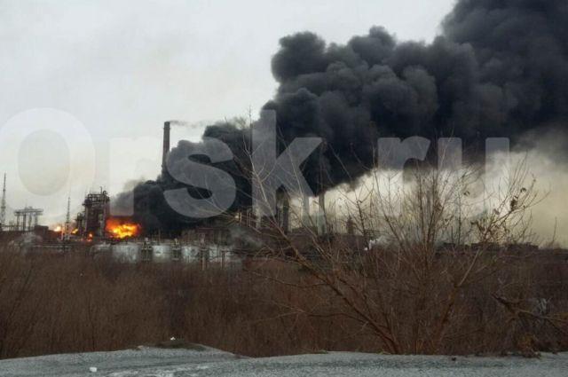 ВОренбуржье назаводе «Уралсталь» загорелась бензольная установка