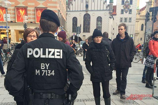 Вопиющий инцидент вГермании: вооруженный ножом шофёр наехал напрохожих