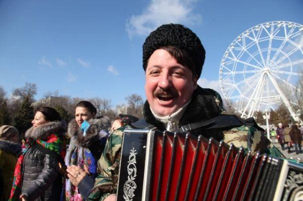 В общегородском фестивале «Масленица-2017» приняли участие более десяти тысяч человек.