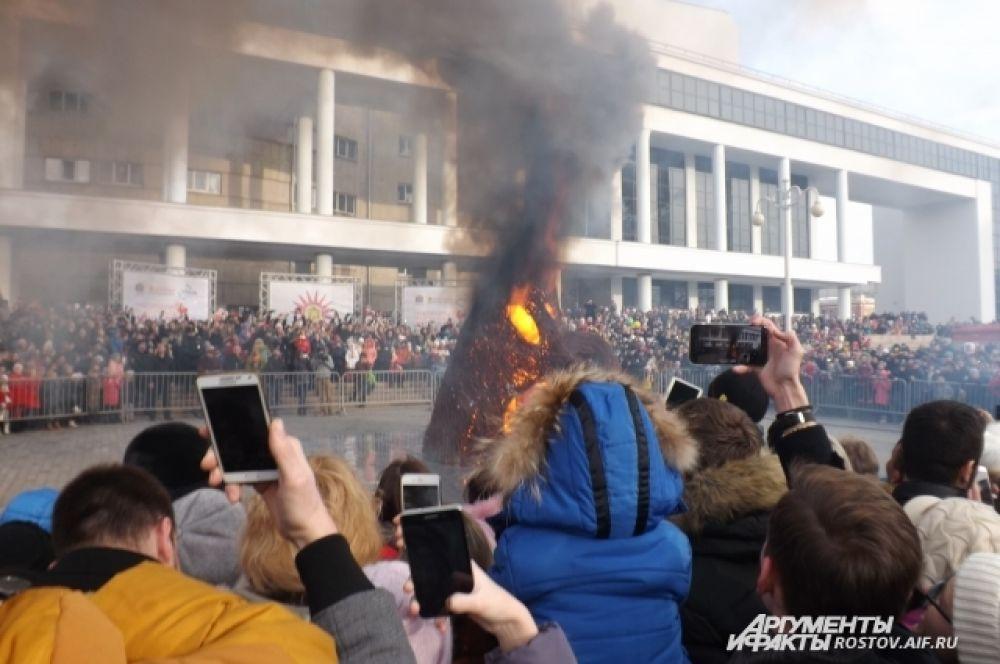 Главное событие Масленицы - сожжение чучела.