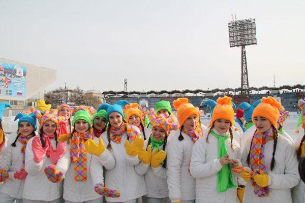 Участники церемонии открытия.