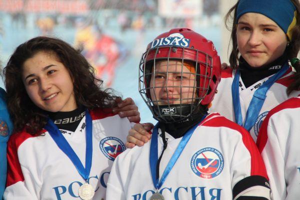 После награждения хоккеистки нашей национальной сборной расстроились серебру.
