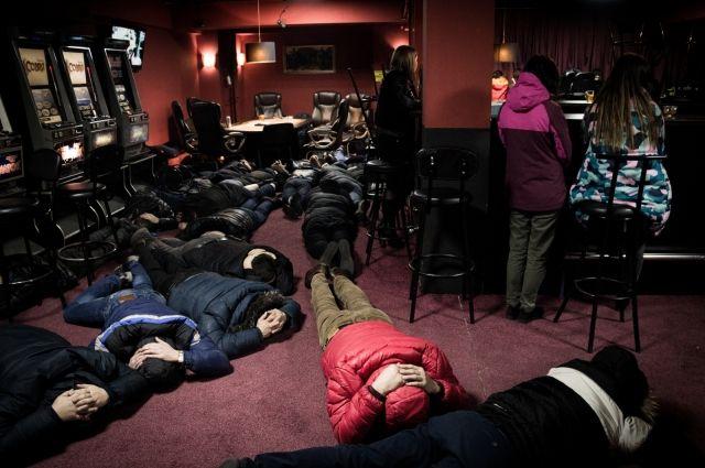 76 человек задержали вподпольном казино наулице Советской вИркутске