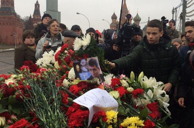 ВНижнем Новгороде состоялся марш памяти Бориса Немцова