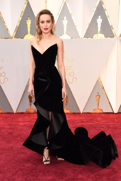 Бри Ларсон выбрала элегантное платье от Oscar de la Renta