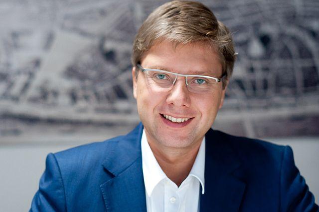 Мэр Риги считает запрет русского языка в соцсетях «средневековой дикостью»