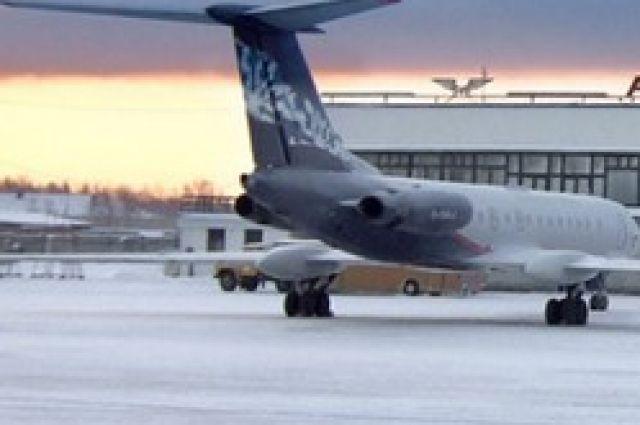 Из-за заглохшего мотора пассажирка самолета в«Рощино» устроила истерику
