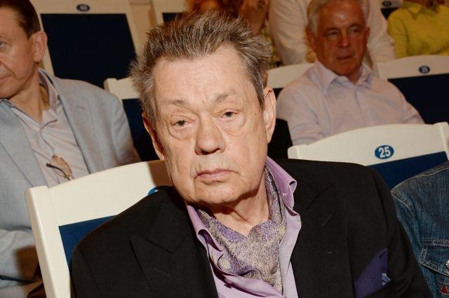 Сын Караченцова поведал подробности ДТП, вкоторое попали его родители