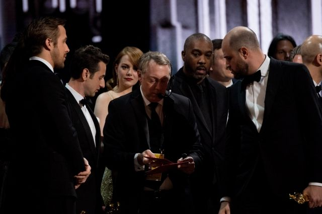 Организаторы «Оскара» назвали причину инцидента с перепутанными конвертами