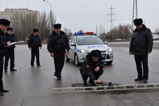 ВРостове наЗЖМ полицейские проверили состояние автомобильных дорог
