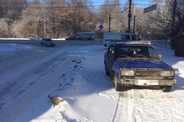 ВЧелябинске ВАЗ сбил пожилую женщину натротуаре