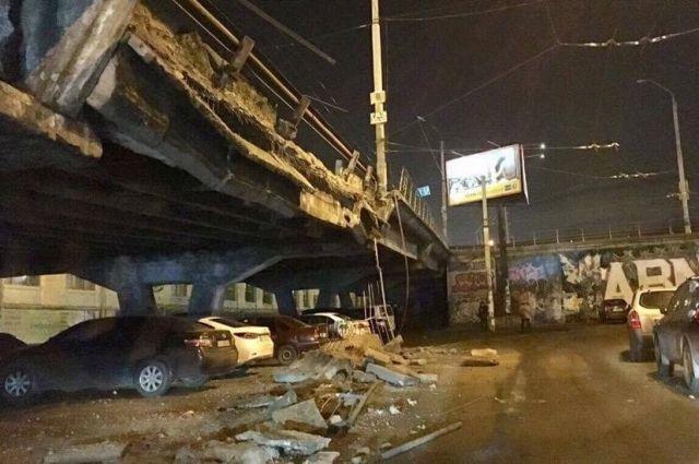 Киевлянам поведали, как объехать Шулявский мост