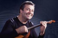 В Оренбурге даст один концерт известный домрист Александр Цыганков