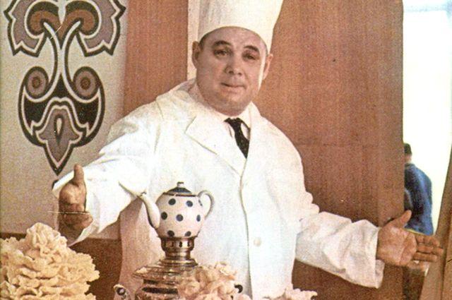 Юнус Ахметзянов основал первый в России ресторан татарской национальной кухни.