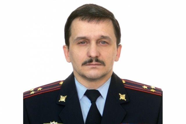 С 1989-го К.В. Пастухов служил на разных должностях в полиции региона, с 2011-го был замначальника штаба полиции.