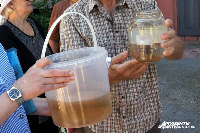 Жителям Озерска пересчитают плату за ЖКХ из-за грязной питьевой воды.