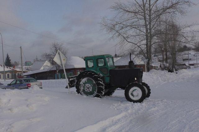 Трактор «Беларусь-82» был угнан ночью с территории хозяйства в селе Иванисовка.