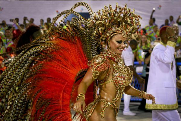 Только в Бразилии есть такие девушки и страсть к колоритной жизни