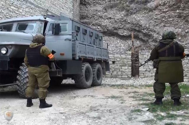 ВДагестане нейтрализовали мужчину, открывшего огонь посотрудникам милиции