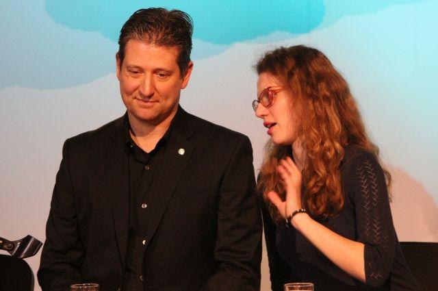 Натан Савайя с переводчиком.