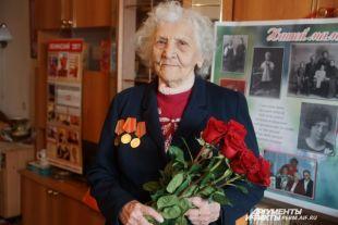Ольга Сергеевна считает, что отличительная черта её поколения - это вера в светлое будущее. И она верит: всё плохое в нашей стране пройдёт, и жизнь наладится.