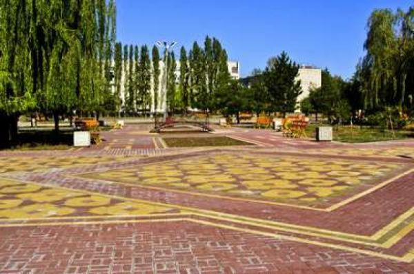 Сквер Авиаторов в районе Гайдара.