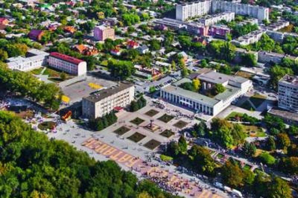 Главная площадь города с высоты птичьего полёта.