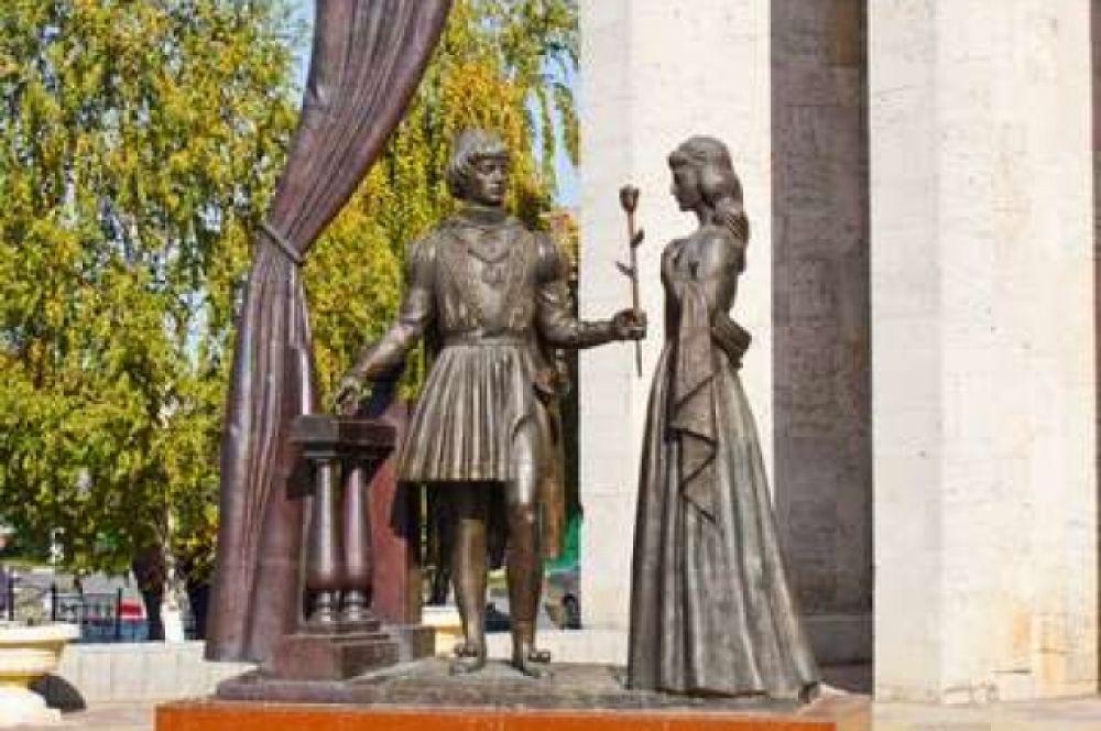 Скульптур «Ромео и Джульетта».