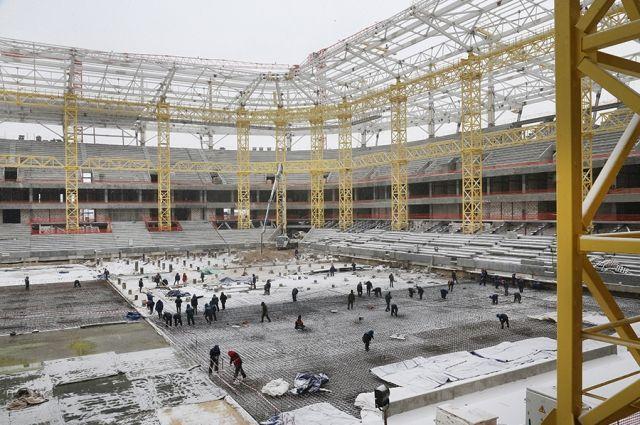 Забетонировано основание футбольного поля стадиона к ЧМ-2018 в Калининграде.