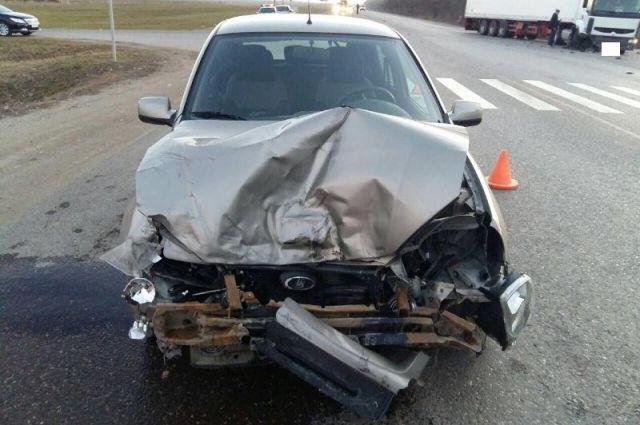 Фура протаранила легковую машину наСтаврополье, пострадала шофёр
