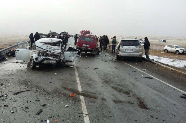 В аварию попали пять автомобилей.