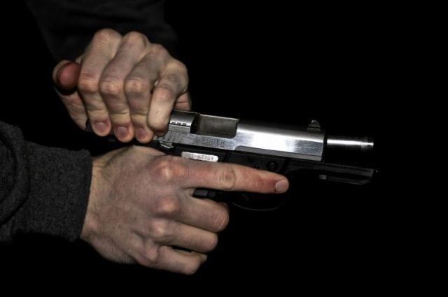Гостя бара вСмоленске расстреляли изтравматического пистолета