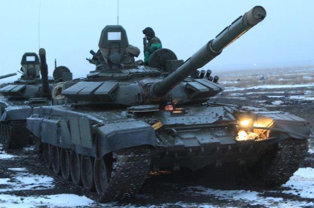 Военная техника наНовоприозерском шоссе шокировала петербуржцев