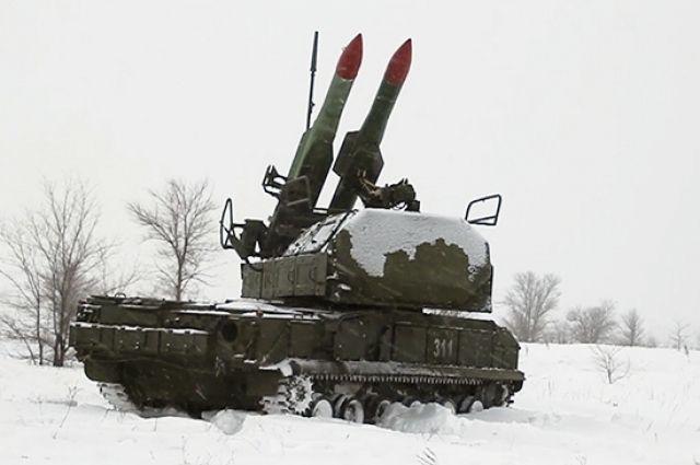 В Оренбуржье на Тоцком полигоне зенитчики отразили удар условных врагов