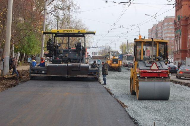 ВКирове уже начался ямочный ремонт дорог