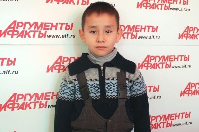 Тамерлан и его мама верят, что победят болезнь.