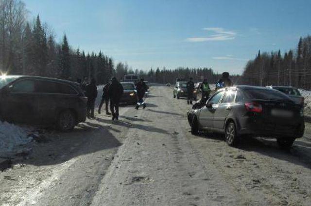 Надороге «Полазна— Чусовой» вДТП пострадали два человека