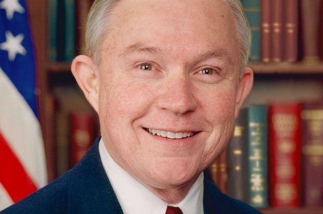 СМИ узнали о вероятных контактах генерального прокурора США сРоссией довыборов
