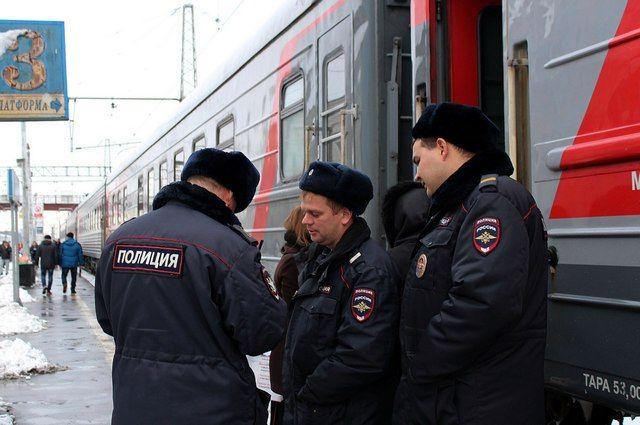 Пассажиров сняли споезда вКемеровской области из-за утечки газа избаллона