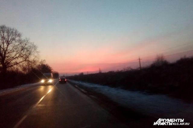 Автомобилисты сообщают о ДТП на дорогах Калининграда из-за гололеда.