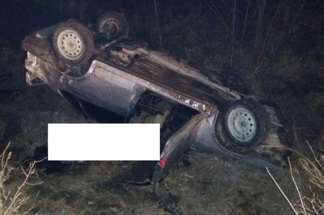 НаСтаврополье перевернулась легковушка, шофёр умер, трое пострадали