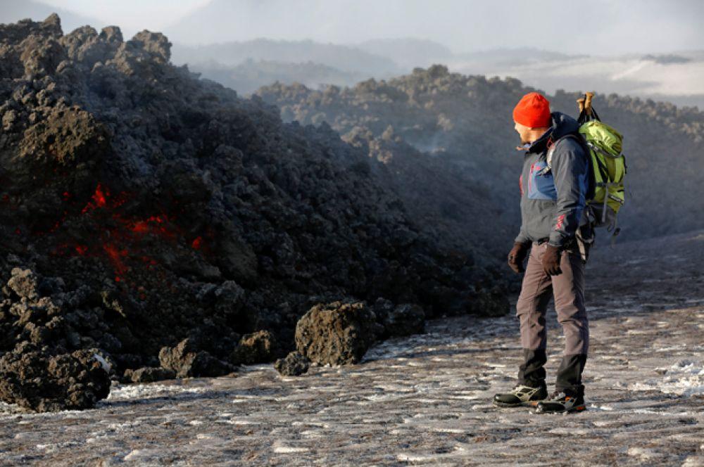 Аэропорт Фонтанаросса, который находится у подножия вулкана, в настоящее время продолжает работу в штатном режиме.