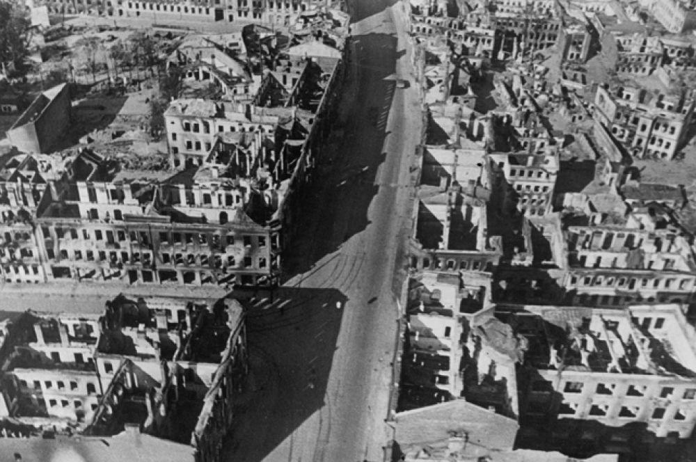 Вид на разрушенный бомбардировками Минск, 1941 год.