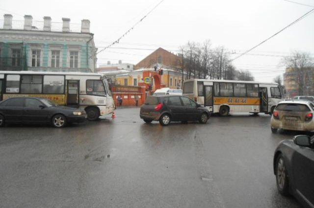 ВЯрославле случилось ДТП сучастием маршруток
