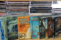 Сейчас в Петербурге еще можно найти киоски, в которых продаются компакт-диски с музыкой, играми и кино.