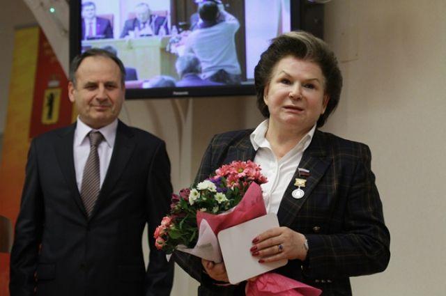 Владимир Путин наградил орденами и наградами менеджеров «Роснефти»