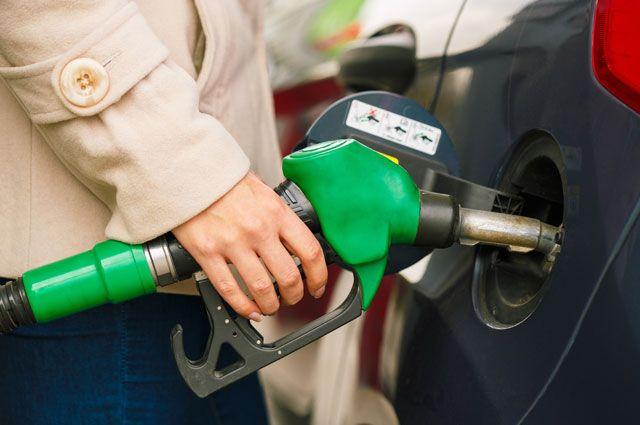 В Томской области списывали бензин, предназначенный для машины местных властей
